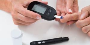 Pengecekan diabetes untuk melihat kadar gula darah.